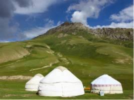 Groepsreis Kirgizië; Bergmeren, adelaars en nomaden