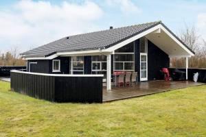 Modern vakantiehuis in Lokken vlak bij zee