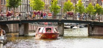 Hop On - Hop Off boat Amsterdam