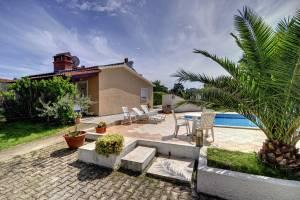Villa Delia Kris